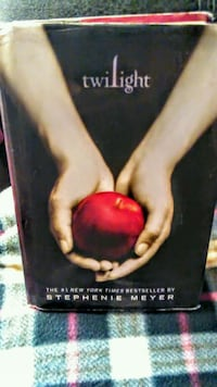 "!! ""Twilight"" Hardcover Book San Fernando, 91340"