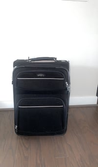 Samsonite meduim luggage-OBO Herndon, 20171