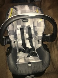 Infant carrier with base