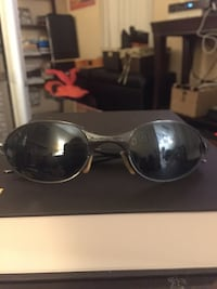 black framed Ray-Ban sunglasses Silver Spring, 20904