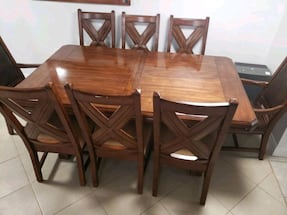 hard wood dinning table