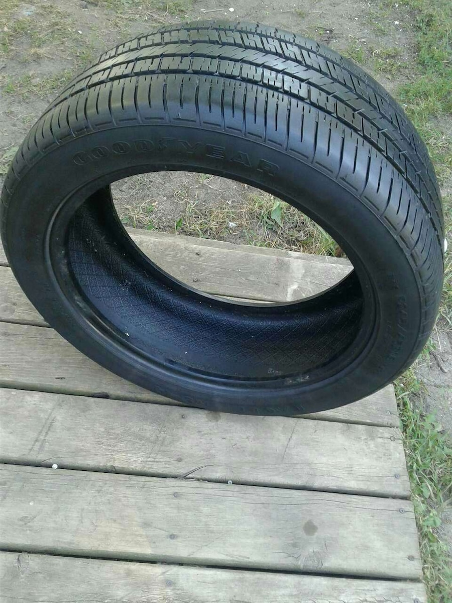 """1 USED TIRE GOODYEAR 18"""""""