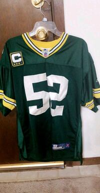 green and white NFL jersey shirt South Milwaukee, 53172
