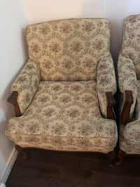 Brown and white floral padded armchair Montreal, H1G 4J3