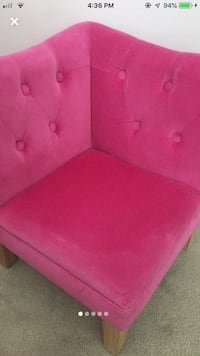 tufted chair. small seat. pink ottoman. bench