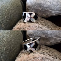 925 Sterling Silver Natural Mother of Pearl & Black Onyx Ring - Size 8.5 Burlington