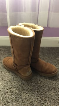 Women's Ugg boots size 10