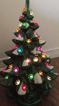 Vintage ceramic Christmas tree excellent condition H20 Lakeshore, N0R