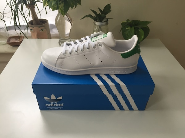 pretty nice 84755 fd1dd Brand new Adidas Stan Smith Shoes - still in box - Size 9 Men