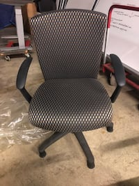 black and gray rolling chair Woodbridge, 22191