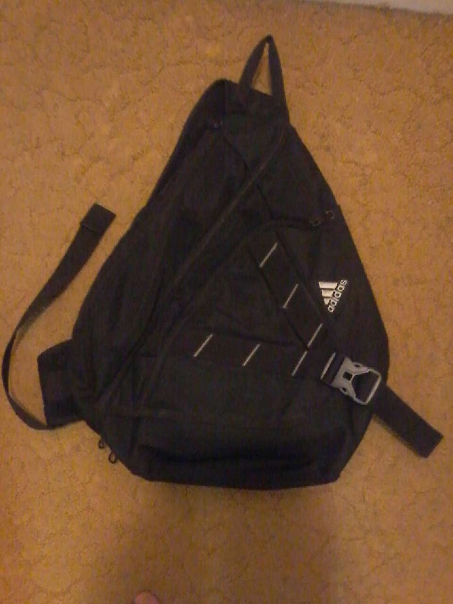 Adidas 1 strap book bag in Middleburg - letgo