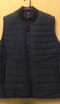 H&M vest  size medium 53 km