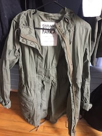 Hooded utility jacket camo green size s Montreal, H3S