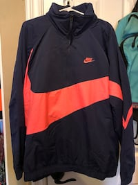 Black and red nike pullover hoodie ハンティントンビーチ, 92646