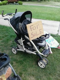 baby's black and gray stroller Youngstown, 44509