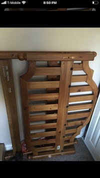 Ethan Allen wooden full size bed !