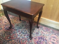 Bombay end table, excellent condition Surrey, V3X 1A7