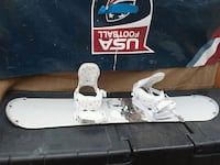 white and blue snowboard with bindings Sparks, 89431