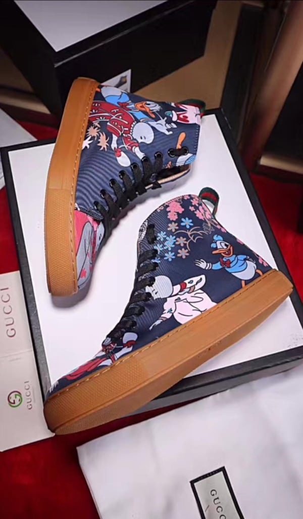 BY ORDER ONLY Preowned Gucci World Collection Sneakers size 6-12 ccf31ec6-c39f-4c11-979d-67c51429c4ff
