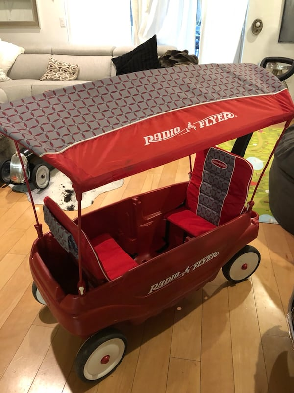 Radio Flyer 5 In 1 Family Wagon Red
