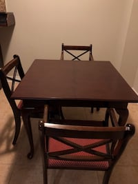 Bombay Dining Table & Chairs null