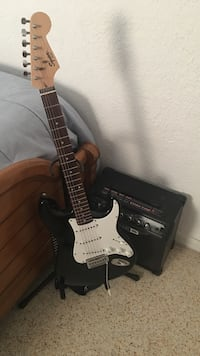 black and white stratocaster electric guitar Miami, 33133