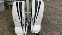 Youth ice hockey goalie pad almost like new Vancouver, V5R 5H4