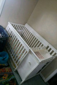 White Baby Crib will deliver for extra $50 Providence, 02907