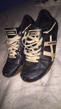 Diesel low tops black and white size 9.5 Temple Hills, 20748