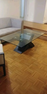 Glass dining table Montréal, H3H 2M2