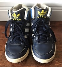 Size 2 / Euro 33-34 / Adidas High Tops for boys
