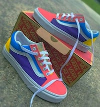 Custom Vans  New York, 10003