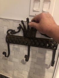 Cast iron coat hanger. Beautiful and in excellent shape Oshawa, L1K 2B1
