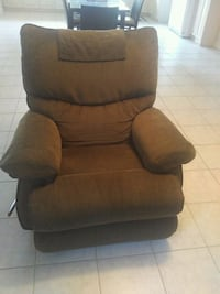 Barely Used LazyBoy™ Chair Toronto, M3M 2M8