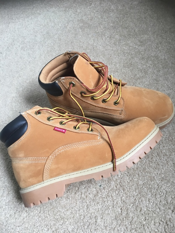 Brand new Levi's boots
