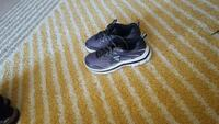 Sneakers boy shoes size 4y