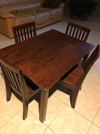 Pottery Barn Solid Wood Kids table and chairs Toronto, M9A 4M8