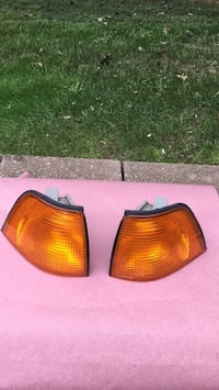 BMW 318 Ti front marker  lamps left and right Jersey City, 07306