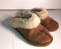 Uggs slip on slide on shoes preowned size 6 Cherry Hill