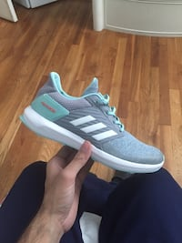 ADIDAS WOMAN SIZE 5 Baltimore, 21222