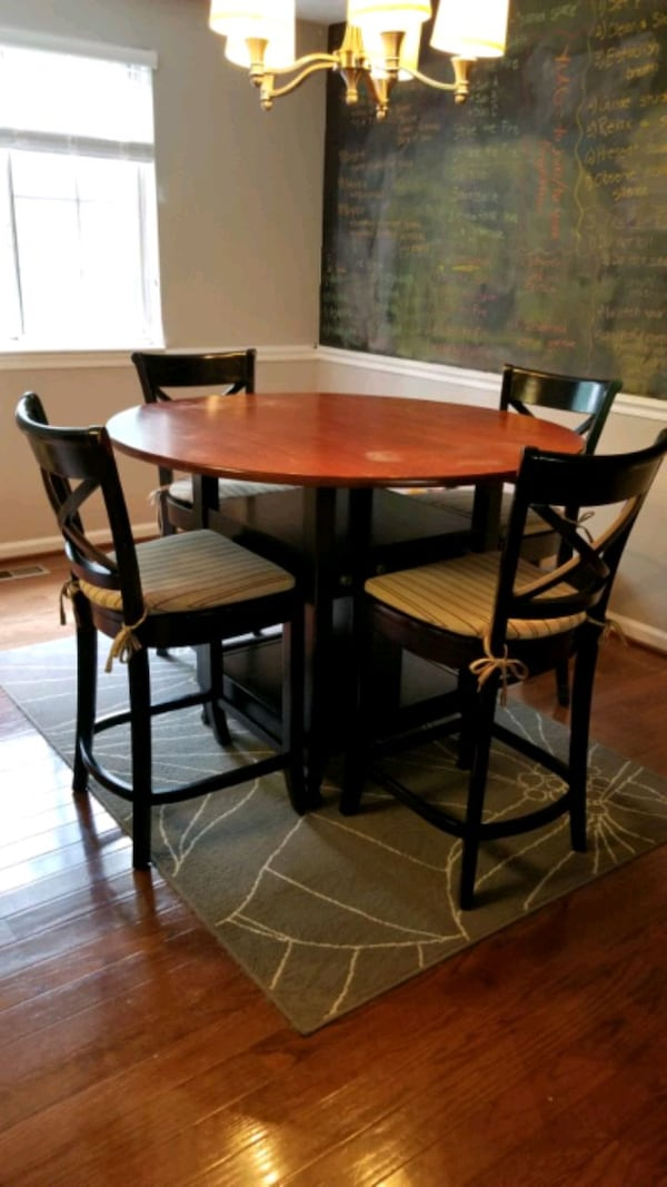 Pottery Barn Bistro Dining Table and Chairs 005d47d9-9c02-4701-bbe4-665af707040b