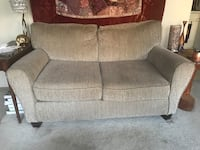 Love seat/Couch/2-seat sofa Chicago, 60642
