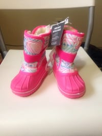 Pair of pink-and-black boots size 6 kids  Winnipeg, R2K 4A1