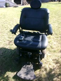 Quantum Edge Electric power chair with all paperwo Centennial, 80112