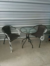 Table and chair set Markham, L3T 4X1