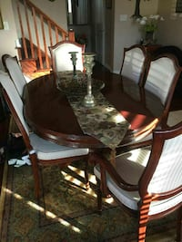 brown and white wooden dining set Milton, L9T