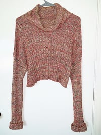 Forever 21 cropped sweater - Size M
