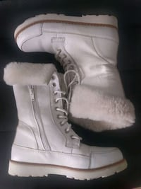 Winter boots, Youth Toronto, M2N 0A5