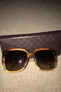 Authentic brown Gucci sunglasses with case Vaughan, L6A 0W2