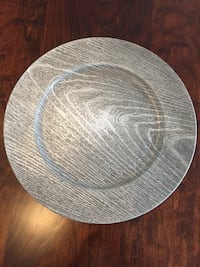 12 Gray faux wood chargers & grey dinner plates